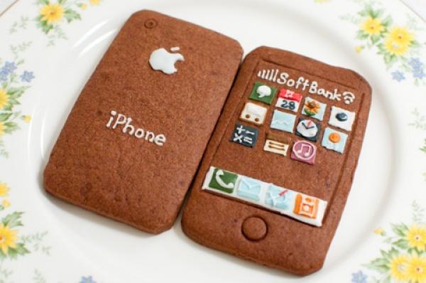 iPhone cookie.   Sweet iPhone.