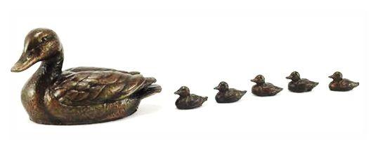 Bronze Duck and Ducklings Sculpture by Steve Langford (Cast by Unique Bronze) #uniquebronzeuk #bronze #sculpture #Birmingham #art