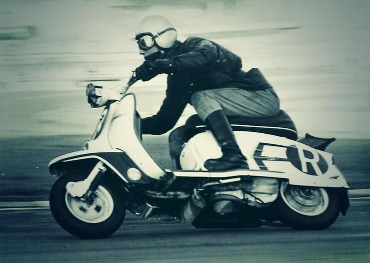 PJ Oakley's tuned #SX200 #Lambretta ridden by Paul Chambers