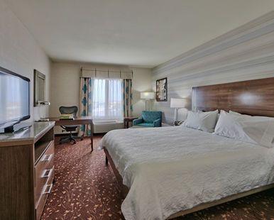 Hilton Garden Inn Albuquerque Airport Hotel, NM - King Guest Room | NM 87106