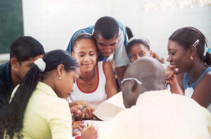 Estudiantes Pivu  se  ha desarrollado programas  que  ha  permitido el  fortalecimiento  de  las  competencias  en  los  estudiantes de  la  udea  y   el reconocimiento de  los  servicios  ofrecidos   por  la UdeA   a los que  estudiantes  y egresados  tienen acceso  en pro de  fortalecer su   procesos de  formación  e indagación.