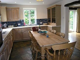 Holmesdale Cottage - Sleeps 8 - 10 - Holmfirth West Yorkshire - self catering in Yorkshire. The Hen House - fabulous hen party accommodation - amazing wedding venues. http://www.henpartyvenues.co.uk/cottage/wyo4321/Holmfirth/Holmesdale-Cottage/