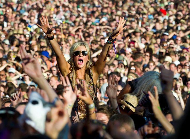 Идеи для летнего путешествия: фестивали и праздники в июне  Наступило долгожданное лето, а с ним пришла пора музыкальных фестивалей и праздников. И сегодня мы хотим вас познакомить с мировыми событиями, которые будут проходить в июне в разных городах и странах. Ведь именно на таких мероприятиях можно поближе познакомиться с традициями и культурой страны, потанцевать и послушать хорошую музыку, попробовать блюда национальной кухни и завести новые знакомства.
