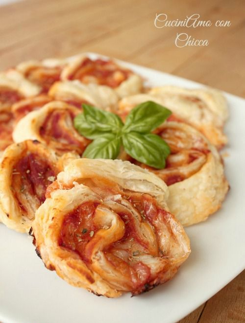 Girelle di sfoglia gusto pizza #italianfood
