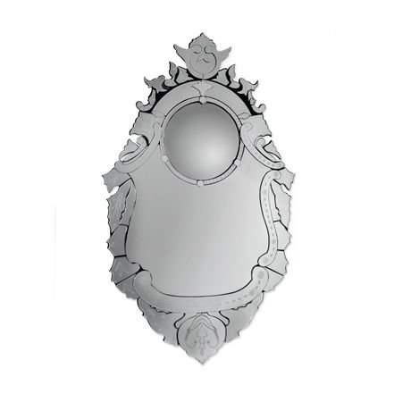 Allying the best of Venetian mirrors, combined with an original and bold approach, the Veneto is an contemporary design artwork on its own.