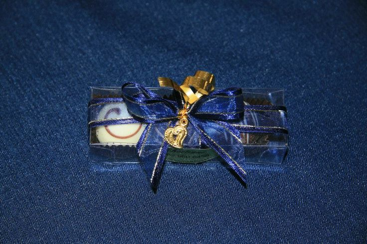 3 Truffle box with organza ribbon and gold charm