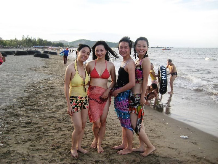 Summer trip with ex-colleagues of HPT Vietnam Corp., Cua Lo beach, Nghe An province, Vietnam, 2008