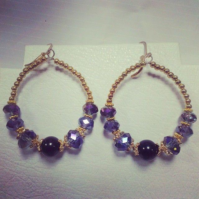 Aretes con cristales :3 ! #pekascreaciones #bisuteriafina #bisu #bisuteriaartesanal #bisuteria #biju #bijuteriasfinas #bijuteria #jewerlydesign #jewelry #jewerlymaking #hazlotumismo #inspiration #beas #earings #cristal #tupis #abalorios #jewel #beutiful #collaresdemoda #collares #moda #estilo #beuty #cadenas #cadenasdoradas #lovegold #instajewelrylovers #instajewelrygroup
