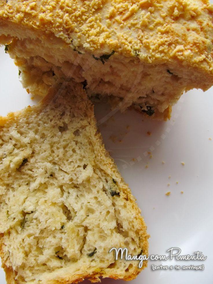 Pão de Manjericão e Parmesão para deixar a sua cozinha perfumada. Clique na imagem e confira a receita para fazer no seu café da manhã.