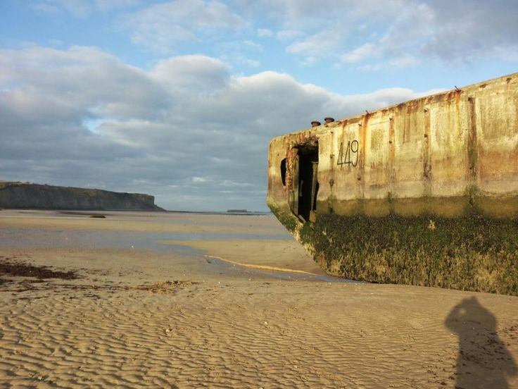 d-day landings mulberry harbour