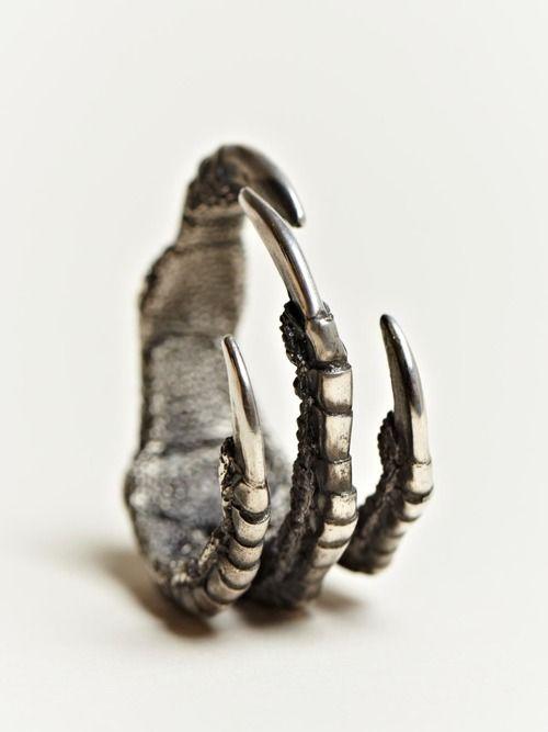 ANN DEMEULEMEESTER MEN'S SILVER CLAW RING - Probably one of the best Men's rings I have seen. (Shop Here: http://www.ln-cc.com/en/restofworld/ann-demeulemeester/ann-demeulemeester-mens-silver-claw-ring/invt/ann0110036sil/)
