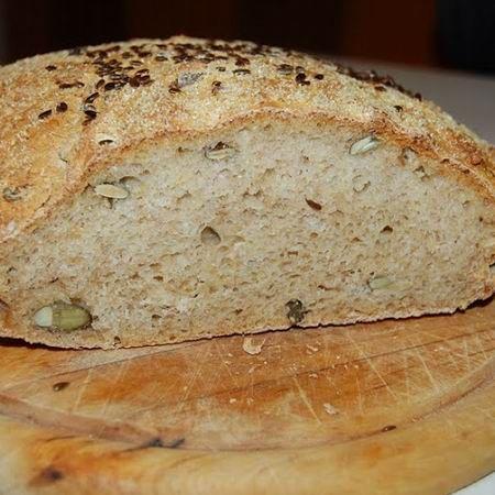 Kukoricás-magos kenyér