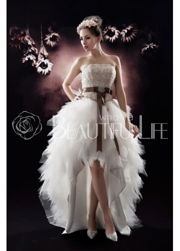 Robe de mari e avec jupe amovible recherche google for Wedding dress with feathers on bottom