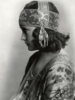 1919 Fashion - Young Gloria Swanson in a Prelude to the Roaring 20's