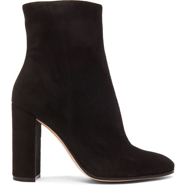 Gianvito Rossi Suede Booties ($975) ❤ liked on Polyvore featuring shoes, boots, ankle booties, ankle boot, booties, short suede boots, bootie boots, suede ankle bootie, leather sole boots e high heel ankle booties