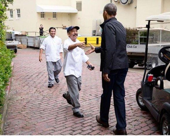 Former White House Photographer Shares Never Before Seen Photo Of Barack Obama To Show A Side Of Him Few People Ever Saw Obama Barack Barack Obama