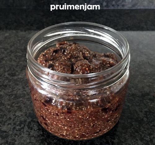 #Jam zónder suiker, #chiazaad zorgt ervoor dat je gelei krijgt. #pruimen #pruimenjam