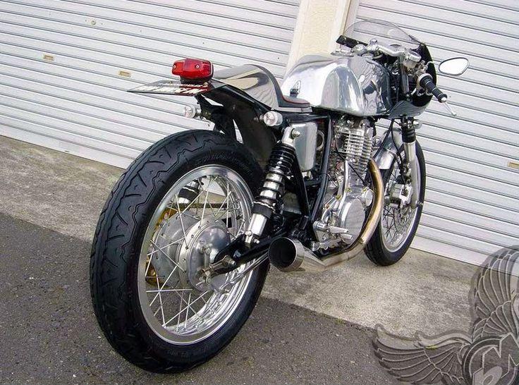 sr400 cafe racer   yamaha sr400 cafe racer - bikerMetric