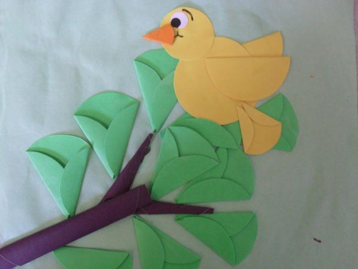 Kuş ve ağaç dalları