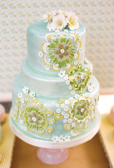 Wedding Cake with Fondant Appliques The main attraction: a wedding cake featuring floral fondant appliqués arranged in a whimsical pattern. Wedding cake, Cake Coquette