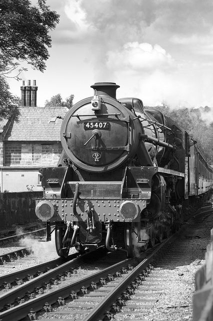 45407 bw by lesthompson on Flickr.