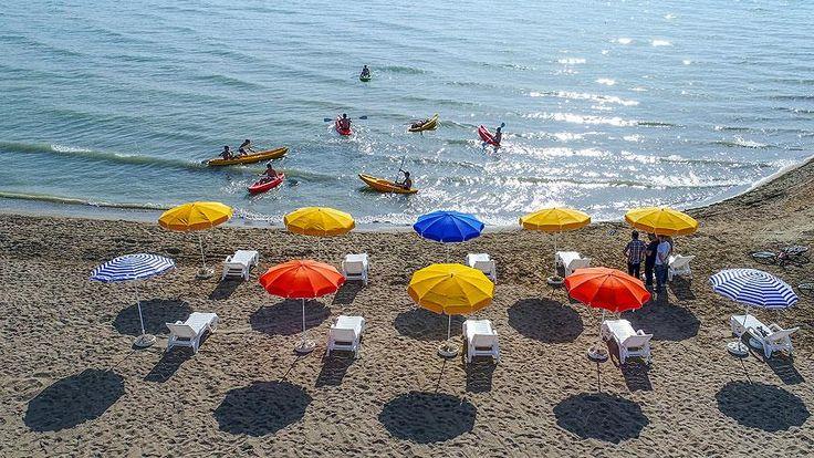 İçişleri Bakanlığınca Kanun Hükmünde Kararname ile görevlendirme yapılan Edremit Belediyesince, Van Gölü kıyısında atıl durumdaki alan halk plajına dönüştürüldü. Tesisin açılışı düzenlenen törenle gerçekleşti.