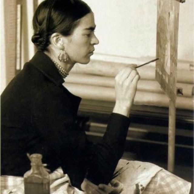 Frida at work.