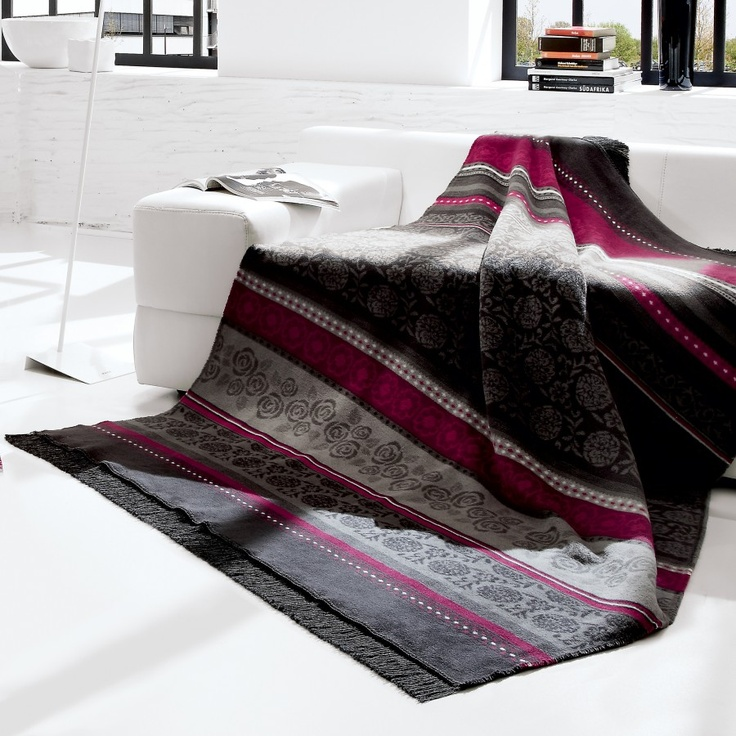 Bocasa Blankets Oleana Anthracite Woven Throw Blanket - 575692