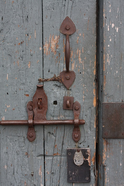 rusty latch