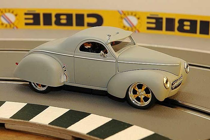digital scx slot car racing a Willis coupé retro
