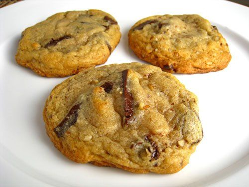 Chocolate Chunk and Pecan Cookies | Holiday Cookies | Pinterest