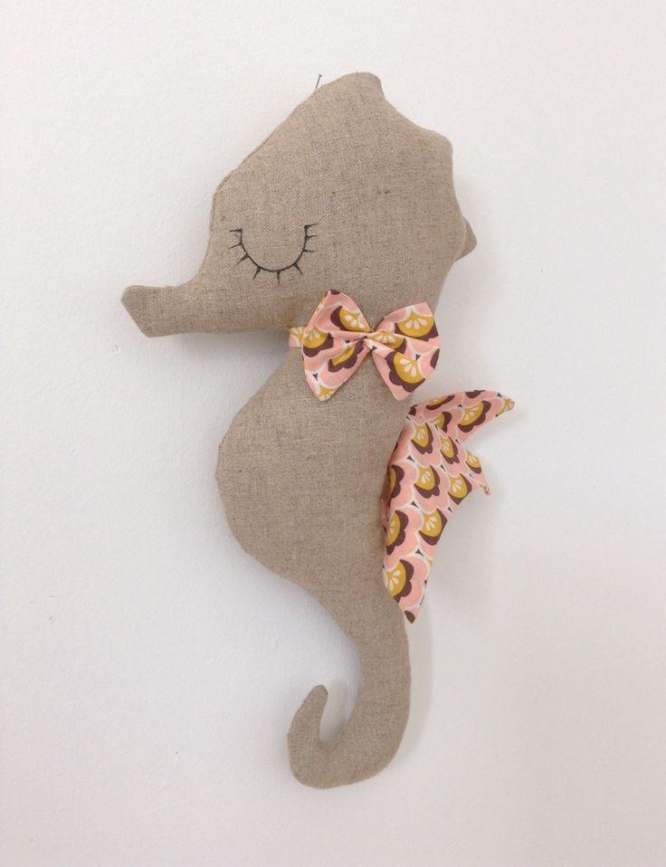 Décoration murale hippocampe en lin - Lilihouat