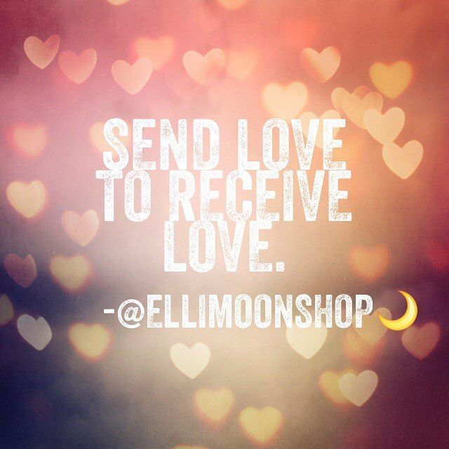 You get what you give. Sending happy vibes your way. Pass it on. 💕✨ #happythingsforhappyliving #ellimoonshop #love #heart #inspiration #happyvibes