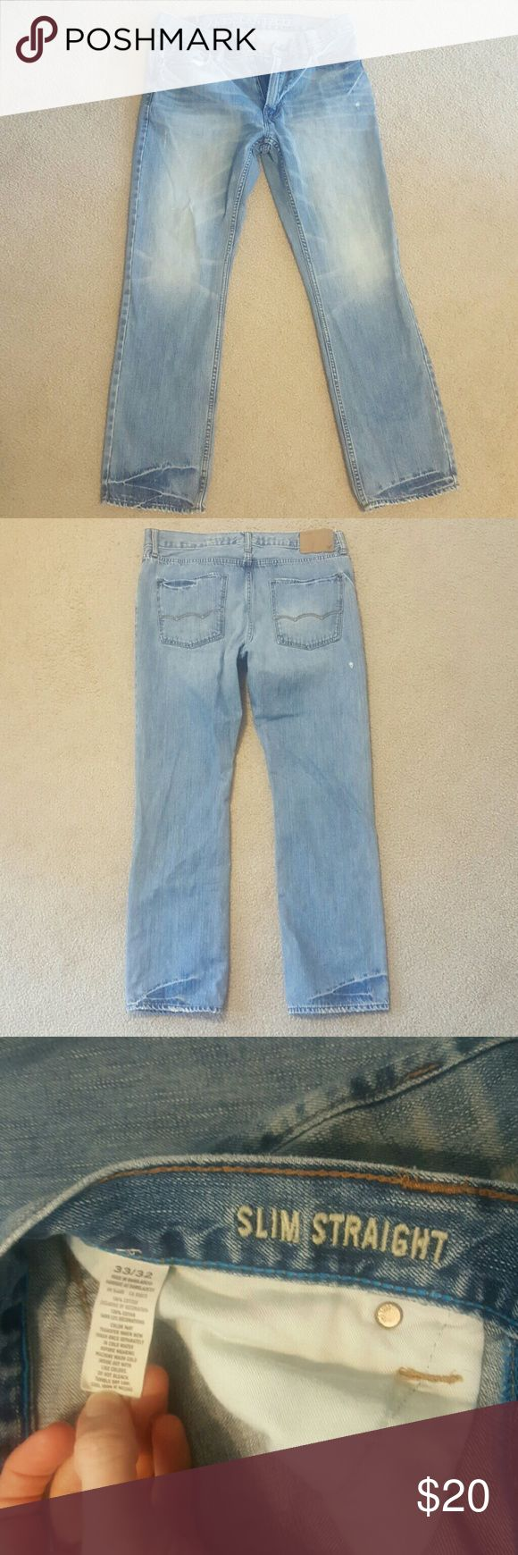 Mens light to medium wash American Eagle jeans Mens light to medium wash American Eagle jeans in size 33x32. Great condition. American Eagle Outfitters Jeans Slim Straight