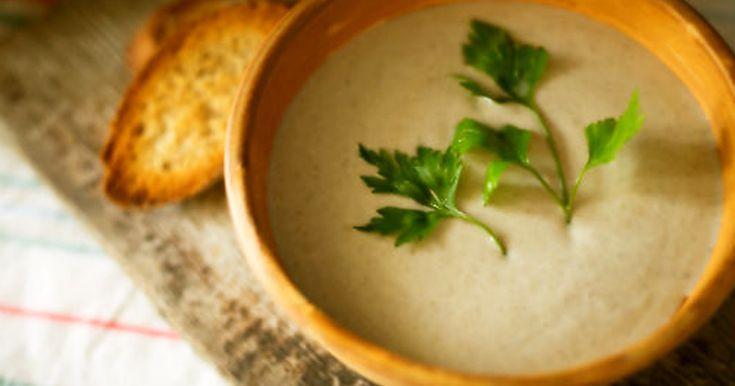 寒い冬のスープはなによりごちそうですよね♪ポロネギと呼ばれるリークとフェンネルの心と体に優しいスープです。