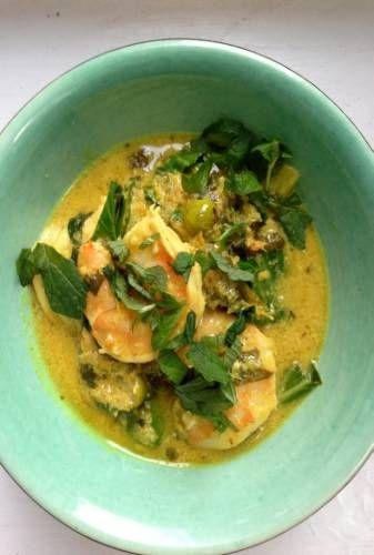 Nigel Slater - Kitchen - prawns, lemongrass and coconut