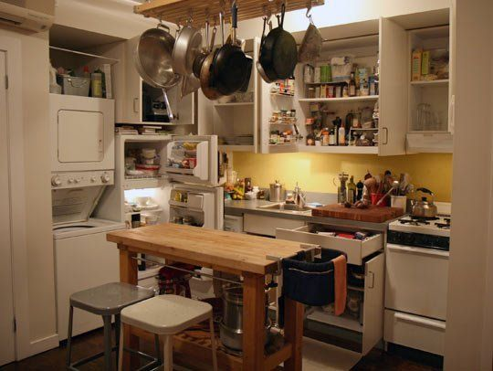 Homey Kitchen gain cooking and eating space with a kitchen island