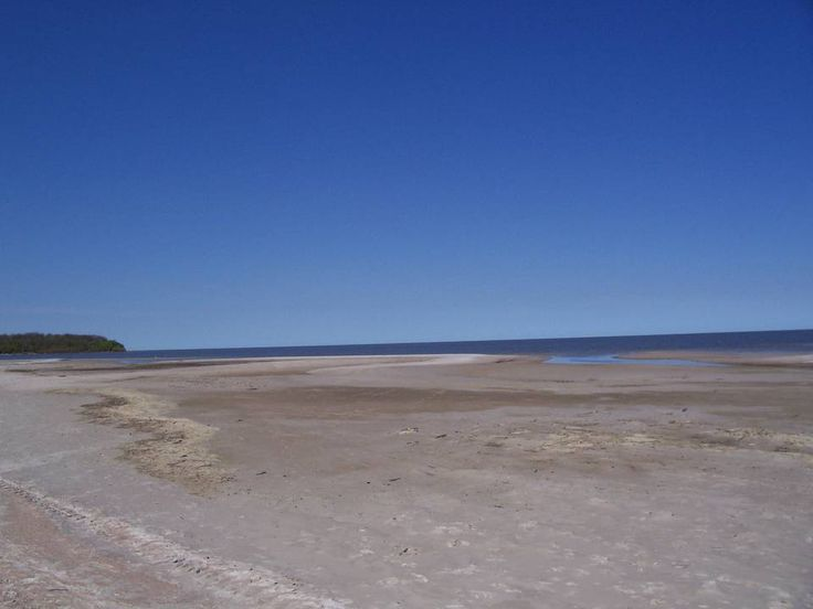 Lake Winnipeg sandy beaches and sun
