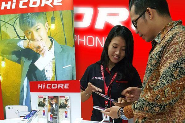 HiCore Terapkan Single Retail Price Dalam Ekspansi Penjualan. Setelah sukses meluncurkan produk perdananya yakni HiCore Play Z5 dan Lens dc 1, pada awal September 2016, HiCore langsung bergerak cepat.