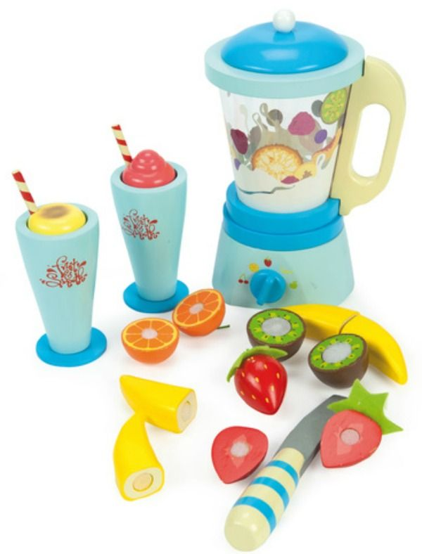 Fruit and smooth blender set.  Love wooden toys for the boys #limetreekids