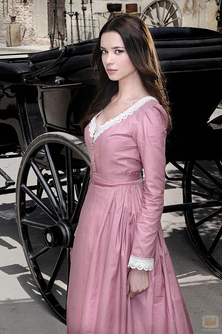 Dafne Fernández en la tercera temporada de 'Tierra de lobos'