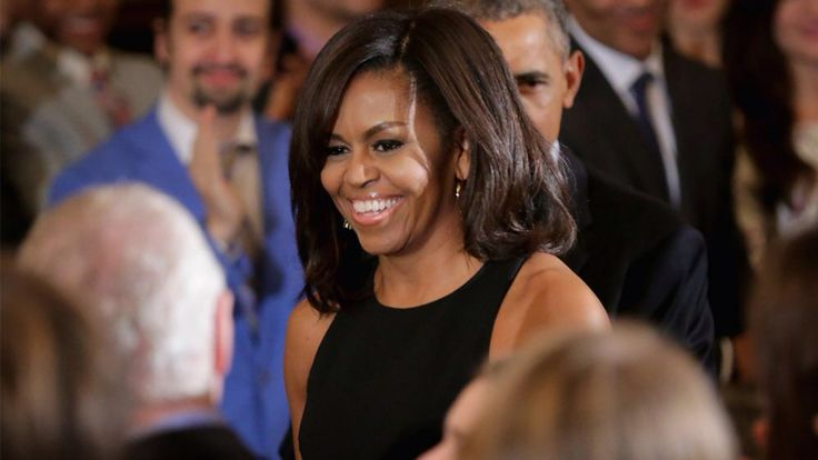 #EXCLUSIVE #FLOTUS #MichelleObama on #Sasha and #Malia's First State Dinner: 'They Got to Do the Big Girl Dress-Up Thing' March 28, 2016 Michelle Obama knows how much we all loved that photo of Sasha fangirling over Ryan Reynolds. #ET caught up with the #FLOTUS #MichelleObama during the #WhiteHouse #FinalAnnual #EasterEggRoll on #Monday #March 28, #2016 and had to ask about the picture – of her 14-year-old #daughter #Sasha meeting the #Deadpool #star while #Malia, 17, gave her two thumbs up…