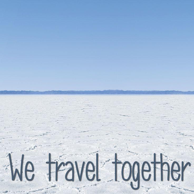 Celebramos que es viernes con esta hermosa foto de paisaje. ¿Con quién te gustaría estar aquí?#wetraveltogether #acrossargentina #salinasgrandes #salinas #salares #jujuy #argentina #sudamerica #lugares #destinos #viajes #viajeros #paisajes #viagens