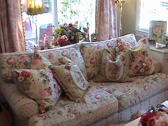 Cabbage roses chintz sofa cushions pillows for Chintz couch