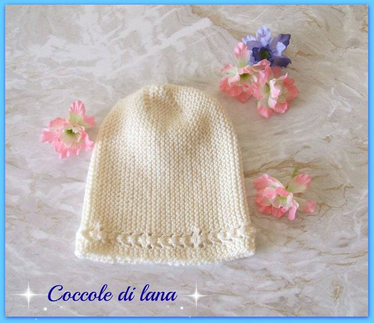 """Handmade cap, hand-knitted in 100% merino  wool, for newborns, 0 to 5-6 months. Search for it in the store """"Coccole di lana"""" on www.misshobby.com"""