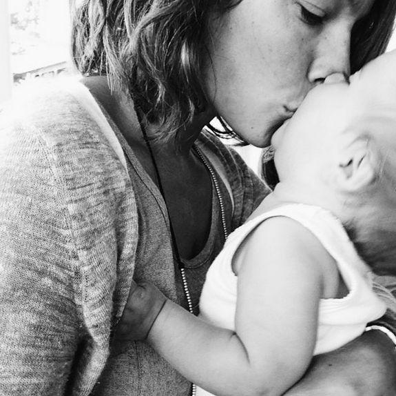 kisses #motherhood #baby #happiness