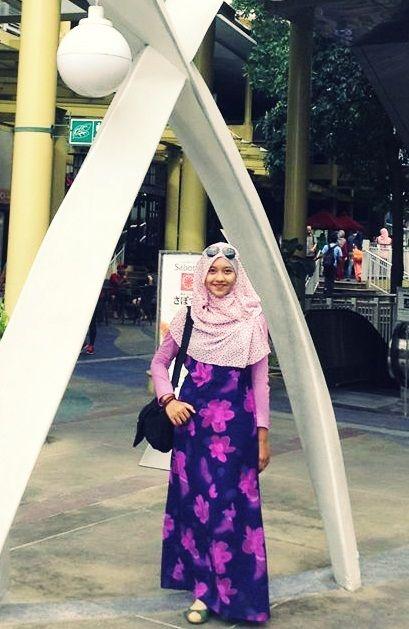 Bonifacio High Street, Makati, Philippines #purple #girly #flower #dress #hijaab #beauty #urbanitydesigns  #feminine #fashion #muslim #asian #Indonesian