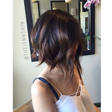 ✂️ Another look at the angled bob cut I did a few weeks ago! Cuts like this with a lot of texture make a huge difference when styling. I used a flat iron to make the effortless waves to accentuate her cut and give her a little more body  #Bescene #jennshinhair #BobCutHairstylesAngles