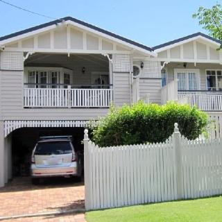 72 best images about queenslander houses on pinterest for Queenslander exterior colour schemes