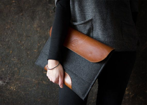 """MacBook 15"""" PRO RETINA case macbook sleeve leather flap and patch wool felt leather sleeve pocket perfectly snuggly tastefully on Etsy, 63,85€"""